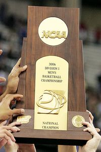 ncb_g_mens_ncaa_trophy_2001